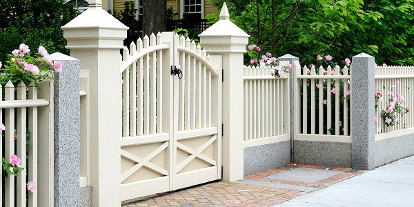 Eugene Oregon Fencing Contractor